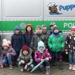 Vorschulkinder besuchen die Polizeipuppenbühne